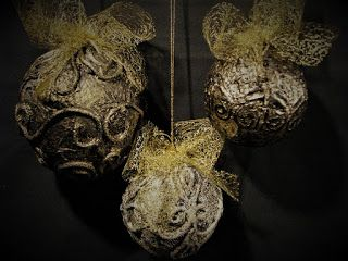 Ideas art for everyone, DIY - Joanna Wajdenfeld: How to make Christmas ornaments made to look like the old gold or silver
