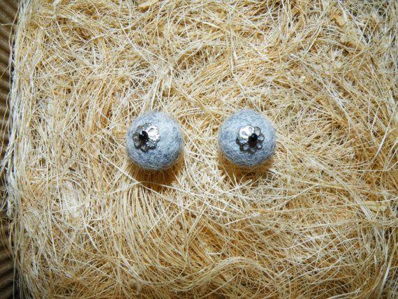 Grey minimalist stud earrings. Round ear stud. Grey by EmisaFelt