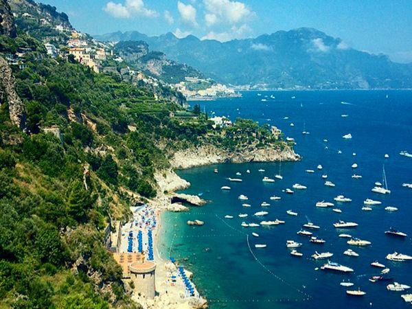 Mediterranean coastline.: Cruise