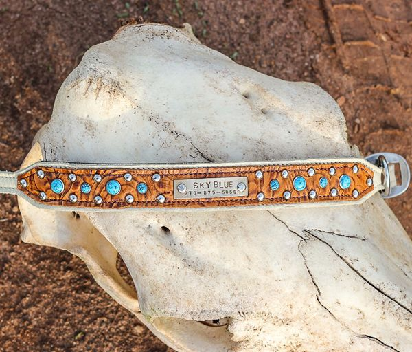 If Western style is your thing, these handmade dog collars from J&B Custom Leather are definitely what your trusty hound needs.