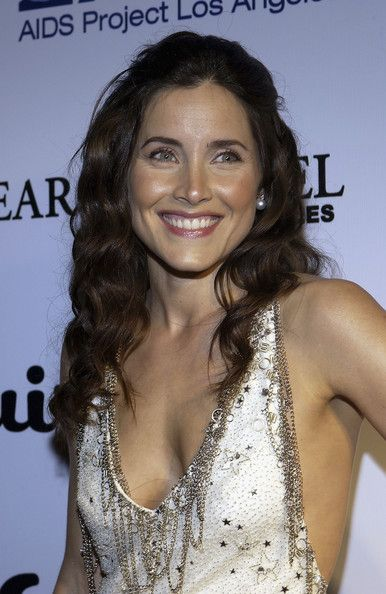 """Rachel Shelley as Milah from """"Once Upon a Time"""" Season 2 Episode 4, """"The Crocodile"""""""