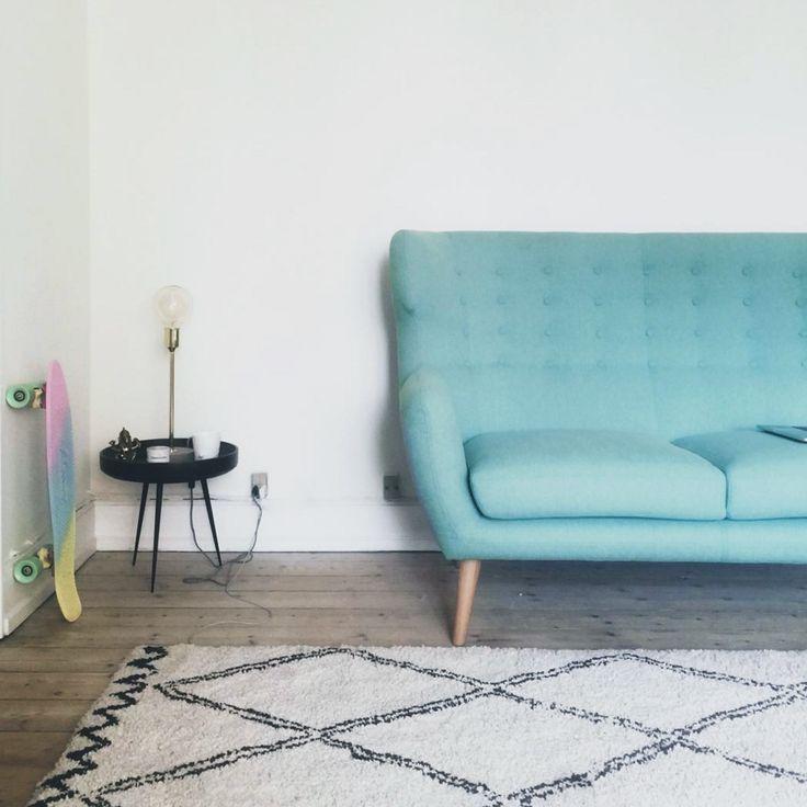 Georg als 2-Sitzer @siennarousseau  #danishdesign #furniture #scandinaviandesign #interiordesign #furnituredesign #nordicinspiration #retrostyle #blue #Sofa