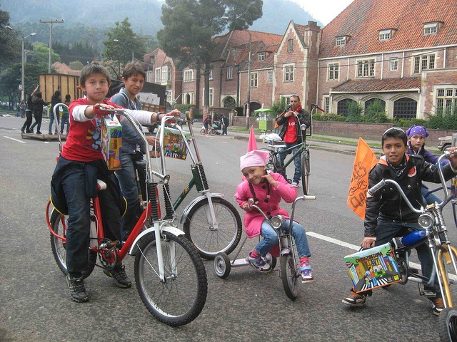 While government programs for bike riding aren't as robust as those in Europe or America, Bogota has a demographic advantage that makes it a bicycle-friendly city - only 13 percent of residents own cars, which makes bicycles a necessity. In fact, once a week, the city closes over 70 miles of streets to vehicle traffic in favour of bicycle riders, joggers, skaters and others. via Flickr