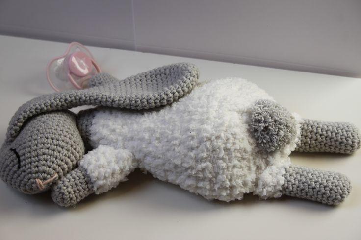 Hazeslaapje - Baby knuffel - Kraamcadeau - Haken - Haakpatroon - Scheepjes Sweetheart Soft