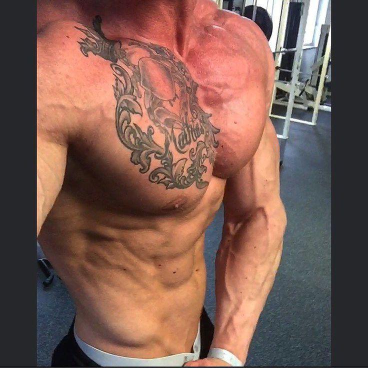 Jeg havde en times pause til at træne så jeg fik fyret en brysttræning af som stod på høj volumen med korte pauser. Trods det er low-carb day kom der fint med tryk på   Nu er det snart tid til finalerne og @jannick_flygenring som jeg er opvarmer for er selvfølglig med! Jeg er imponeret over den form han står i og jeg kan kun sige at han rammer finalen mere tør end til forbedømmelserne  #cbb #bodybuilding #diet #fit #motivation #dedication #lifestyle #newcomers #finals #chestday #lowcarb by…