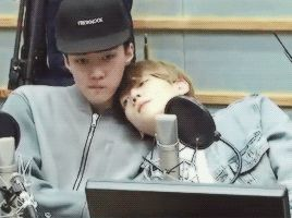 Sukira 150407 : Kiss the Radio - Sehun and Baekhyun (2/4)