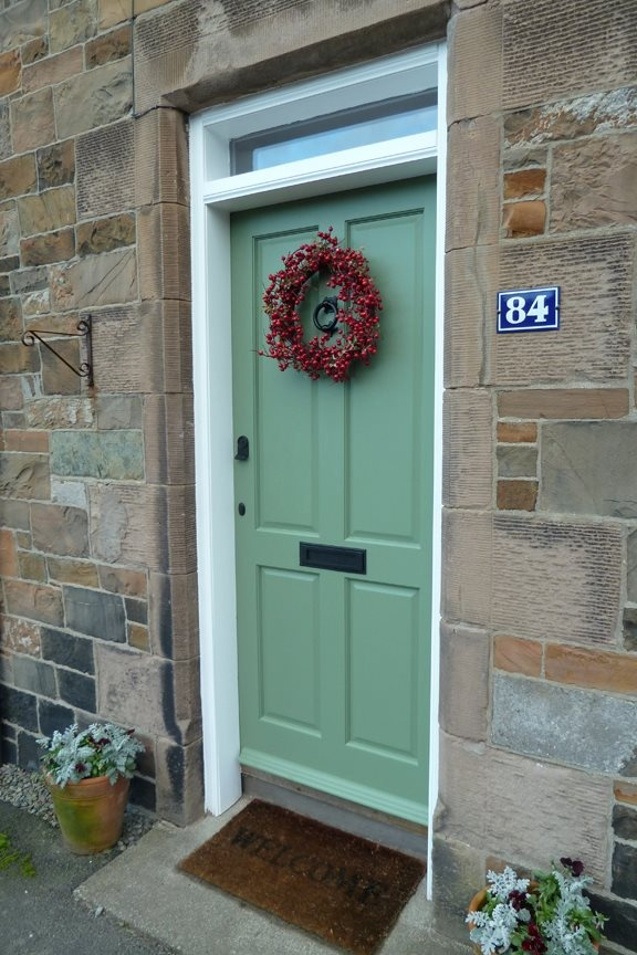 Kristau0027s festive front door in Farrow u0026 Ballu0027s Calke Green Estate Eggshell & 32 best farrow and ball door images on Pinterest | Front door paint ...
