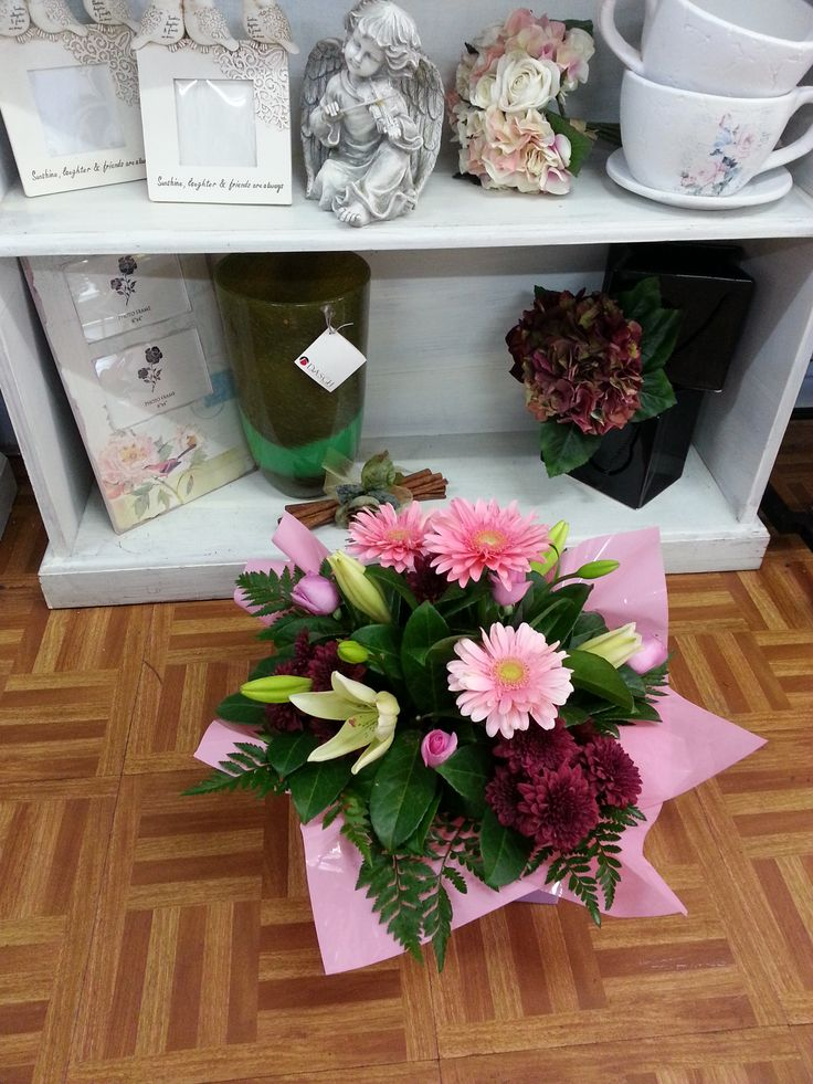 Pretty pink posy box of #gerberas and #lilies