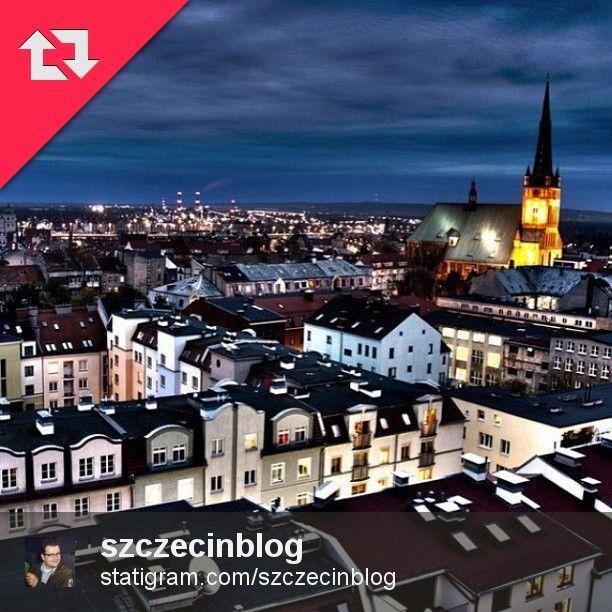 Szczecin późnym wieczorem. Autor zdjęcia: Piotr Budzyński (przez @szczecinblog ). #szczecin #poland #igers #igerspoland #igers_szczecin #repoststatigram