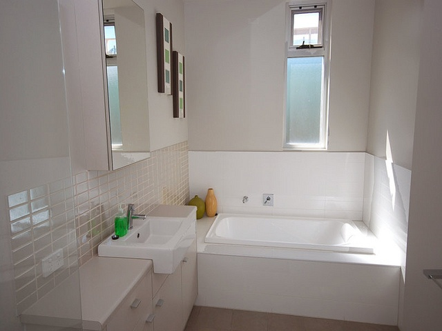 Jay Jay's Bathroom Renovations Perth are the Bathroom Renovation, Kitchen and Bathroom Renovations, Bathroom Renovators experts in the South-Metro area of Perth including Armadale, Melville in Perth. For more information about Contact Us: phone: (02)