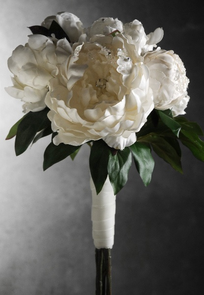 Crystal Diamond Peony   Bouquet   ( I know its fake but would be perfect for bridesmaids)