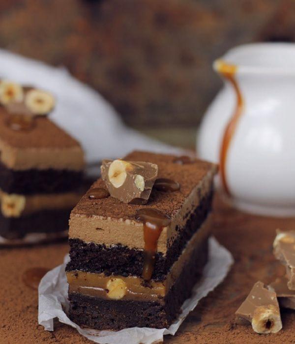 Csokoládés szelet vastag karamellkrémmel – szuper finom sütemény!