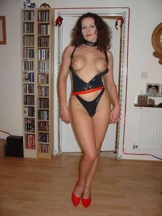 Fergie from black eyed peas full pussy upskirt