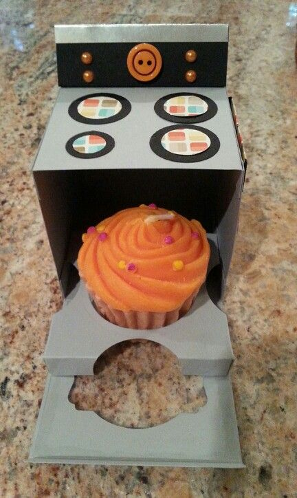 #cupcake holder#candle#oven