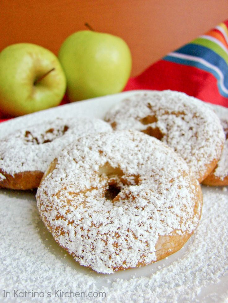 Apple slices dipped in pancake batter and fried. Yum! {Easy Apple Fritters}: Apples Fritters, Pies Apples, Apples Pies, Easy Apples, Apples Recipes, Apple Fritters, Apples Slices, Fritters I Katrinaskitchen, Pancakes Batter