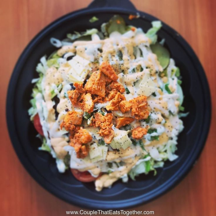 Tandori Chicken Salad   Location: Subway Link Road Dahisar West  #couplethateatstogether #couplegoals #foodadventure #indianburger #mumbaifoodblogger #subway #saladoftheday #tandorichicken #chickenlover #protiendiet #ketogenicdiet #tastychicken #grilledchicken #mumbaiuntold #somumbai #foodtalkindia @foodtalkindia @mumbaiuntold @fooddepotindia @twowisebhukkad @lovetolivetoeat @deshmukhanish200 #iphone7 #iphoneonly #shotwithiphone7 #picoftheday @indian_foodiye @talkingstreet @meatymumbai…