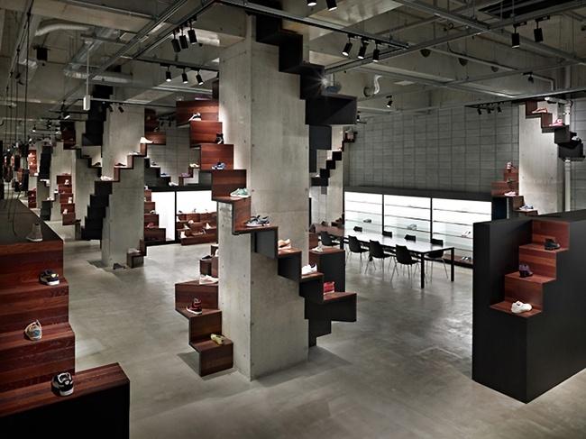 Résultats Google Recherche d'images correspondant à http://www.v5.shoes-up.com/wp-content/uploads/2011/05/pumahouse011.jpg: Interior Design, Puma House, Nendo, House Tokyo, Display, Architecture, Space, Retail, Pumas