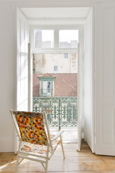 Take a seat and relax in the living room of Campo Grande apartment, Baixa House, Lisbon www.baixahouse.com