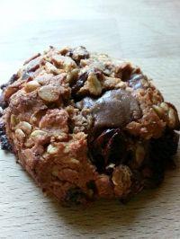 Ha fogyókúrád ideje alatt valami finom csokis nasira vágysz, válaszd ezt a zabpelyhes-csokis kekszet.