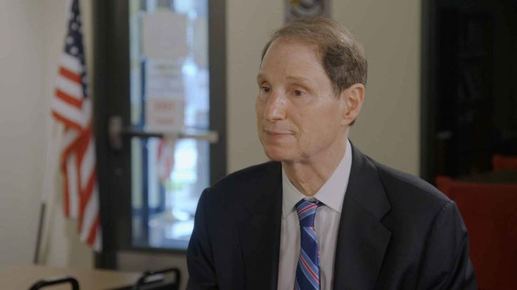 Oregon Sen. Ron Wyden threatens to filibuster if Trump goes after encryption