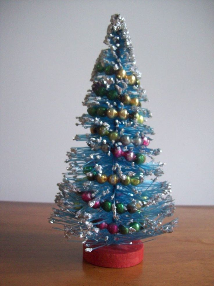 Vtg 7quot Bottlebrush Christmas Tree Mercury Bead