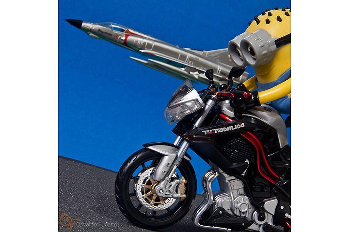 Minions em uma moto por dia: Dia 12