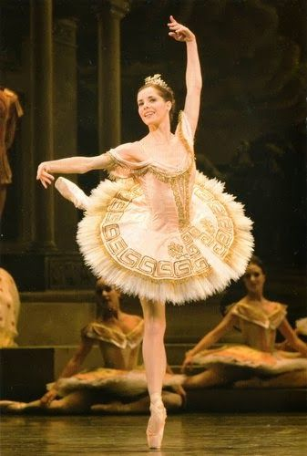 Darcey Bussell- I MET HER TODAY AT THE ROH!!!!!!