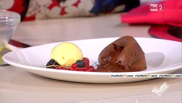 """""""Detto Fatto"""": la ricetta del biscuit coulant (tortino dal cuore morbido) di Paolo Griffa del 25 febbraio 2016."""