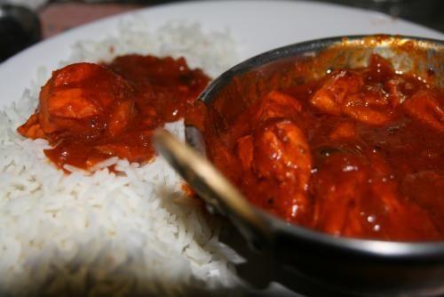 Tikka massala, crémeux et délicieux !  Viande, poisson ou paneer tikka, servie avec une sauce tomatée et crémeuse au yaourt (le nom massala rajouté correspond au mélange d'épices utilisé pour faire la sauce). Le classique des classiques !