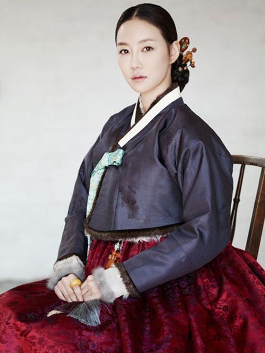 한복 hanbok, Korean traditional clothes. Charcoal grey and cranberry.