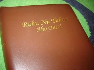 Rahu Nu Tuhan Aho Onsoi / The Bible in Tagal Language Leather Bound Golden Edges / Malaysia Katangan ra Salinan