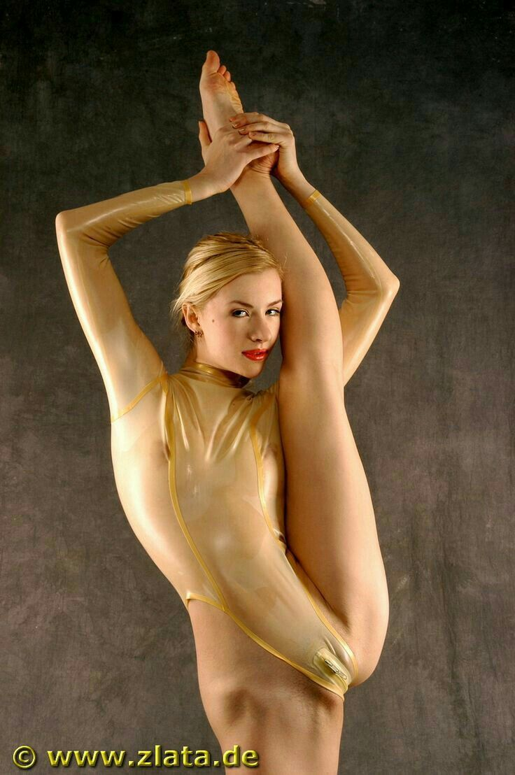 Zlata Nude Contortion 77