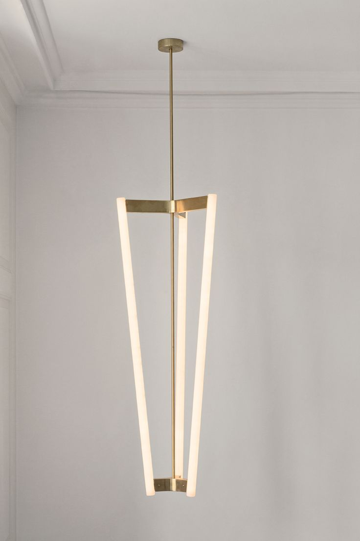 Michael Anastassiades - much photographed pendant but still a favourite of that style
