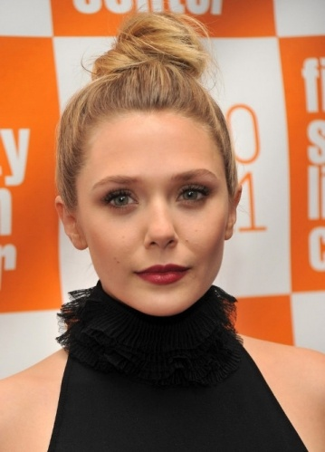 .: Holidays Parties, Make Up, Buns, Topknot, Elizabeth Olsen, Red Lips, Makeup Looks, Hair Trends, Tops Knot