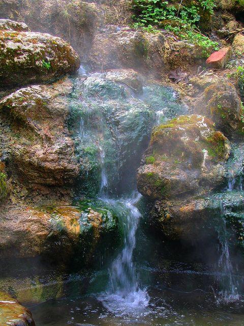 Natural Hot Springs, Hot Springs National Park, Arkansas by Ken Lund, via Flickr