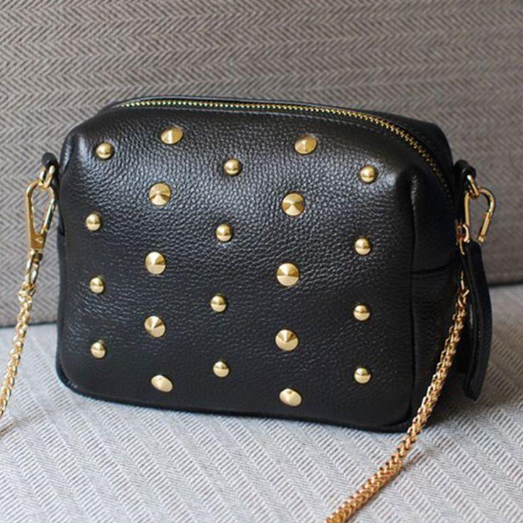 Crossbody Chain Bag //Price: $13.98 & FREE Shipping // #shop #clutch #bagsdesigns
