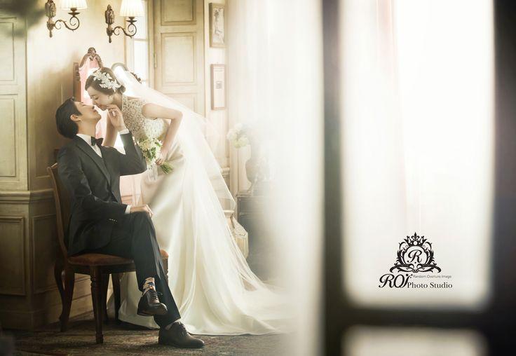 This picture is taken at the studio set of Roi studio. Please visit www.roistudio.co.kr to know more. #roistudio #prewedding #Koreawedding