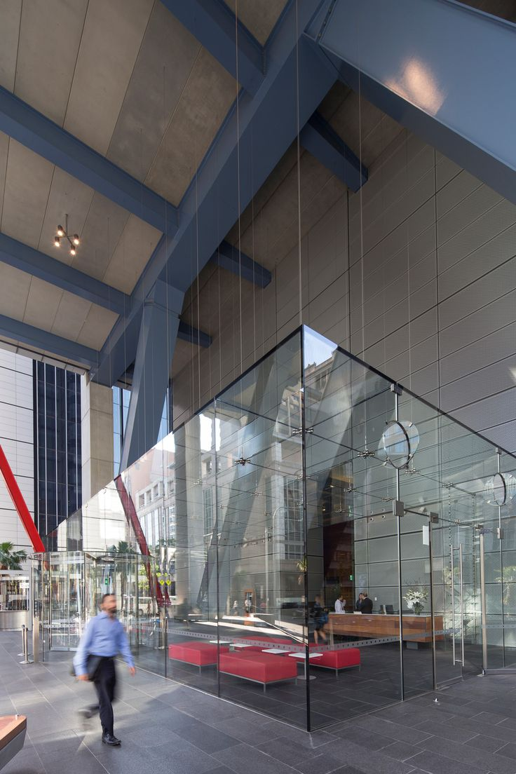 A striking five meter high frameless laminated glass box lobby is dramatically suspended from six levels above the ground level. Ronstan Tensile Architecture supplied Empire Glass with the 6mm stainless steel cables that are the sole support for the lobby structure.  8 Chifley Square - Photo: Brett Boardman