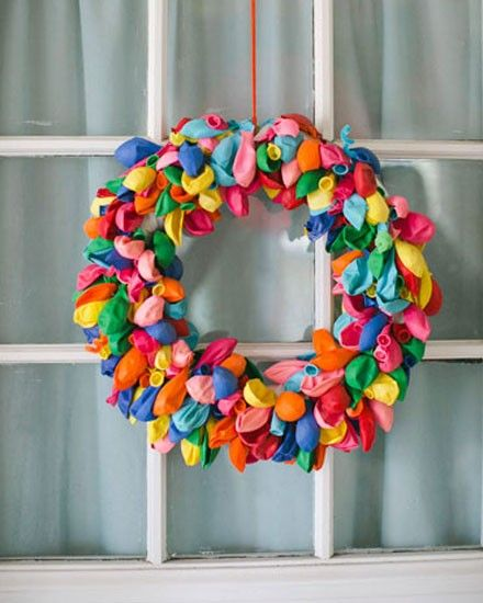 wreath made of balloons