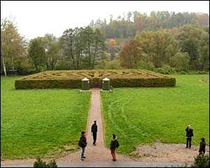 Občanské sdružení Brandýs ve světě - labyrint - přírodní bludiště v Klopotech
