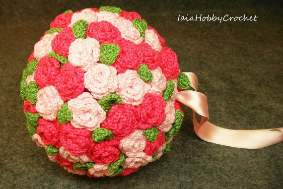 https://www.etsy.com/it/listing/252879294/decorative-crochet-ball-wall-decor
