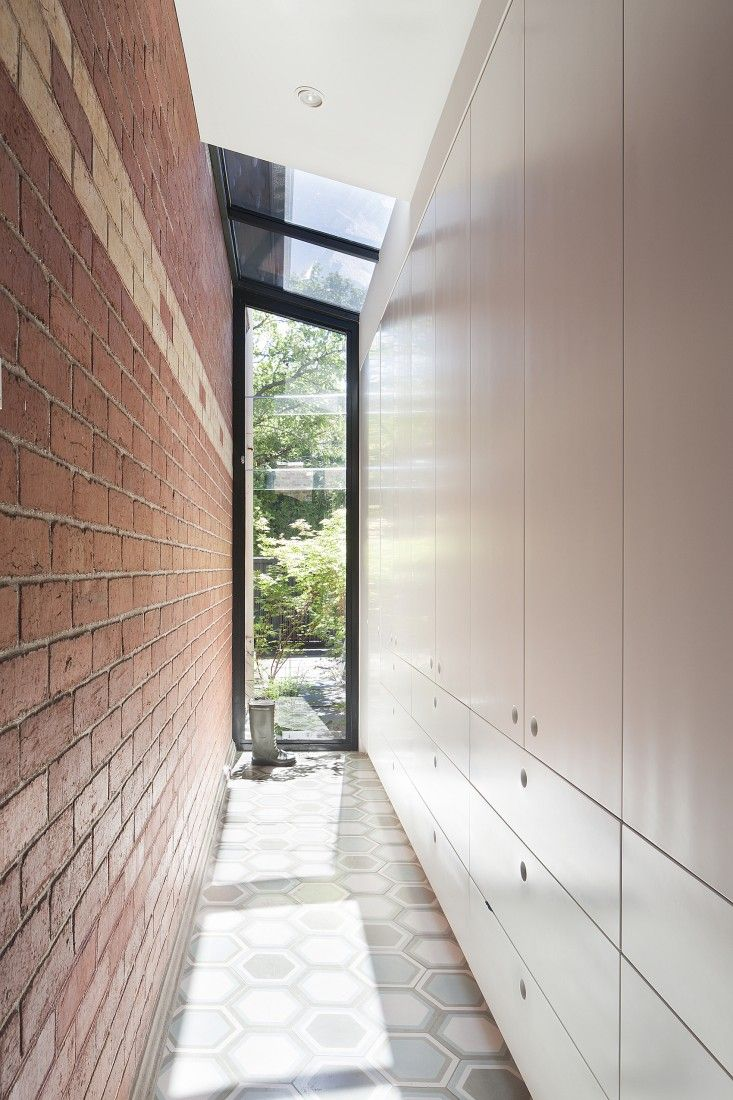 St Kilda East House by Claire Cousins Architects, photos by Shannon McGrath