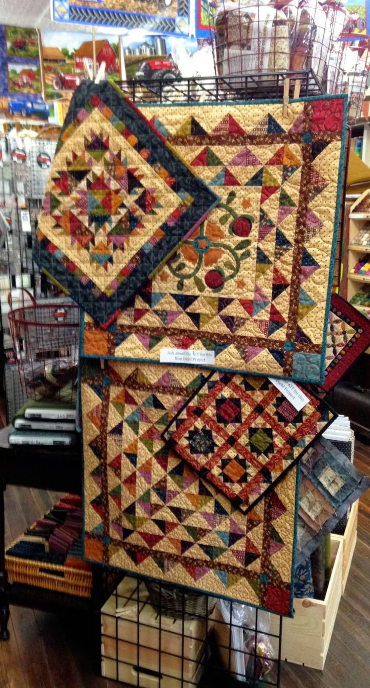 Spools doll quilt table runner wall hanging lyn brown s quilting - Kim Diehl S Simple Whatnots Club Contest Deadline Is Next Week Quilt Shops Owners Have You Sent Your Submissions In We Are Giving Yo