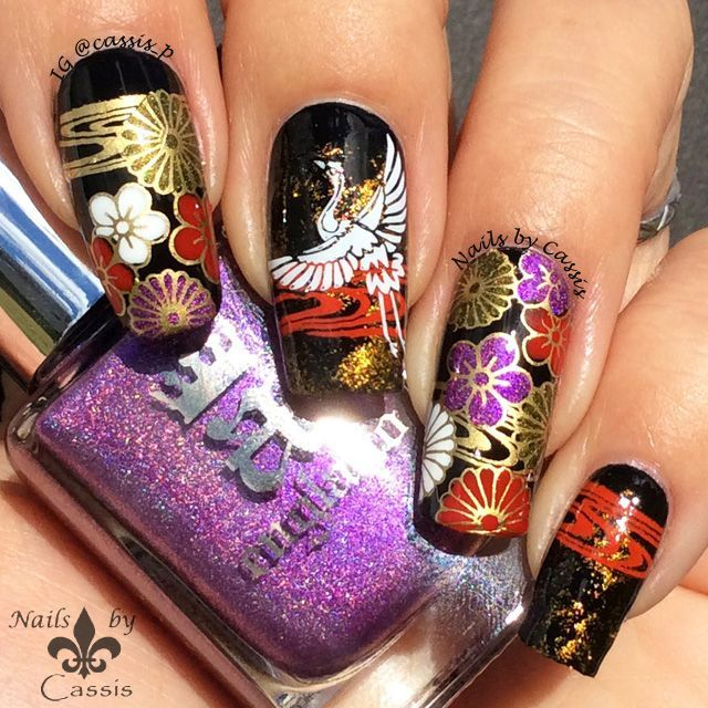 Nails by Cassis: Crane & Flowers Stamping Mani #nails #nailstamping #hehe