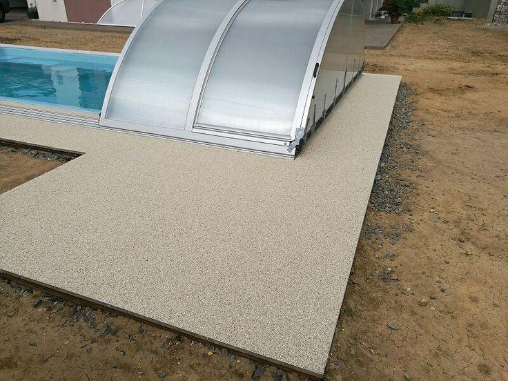 Okolie bazénu. Kameň Boticino 4-7mm.  #art4you #art4youpodlahy #kamennykoberec #kamenny #koberec #podlaha #podlahy #liatepodlahy