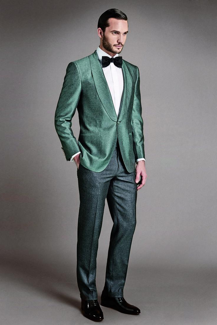 Hints of timeless elegance: Larusmiani tuxedo, must -have piece in men's wardrobe