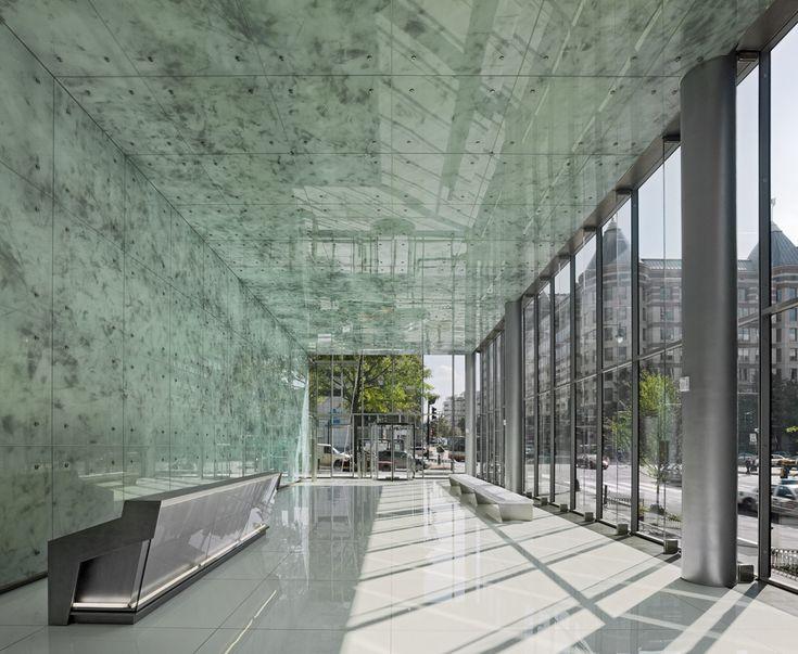 Best 25+ Office lobby ideas on Pinterest   Office reception design ...