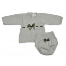 ALMA LLENAS // Conjunto Primera Puesta AMADEO  Conjunto tricot artesanal en primera puesta.      Algodón 100%  Botones de nácar natural  Telas de algodón natural.