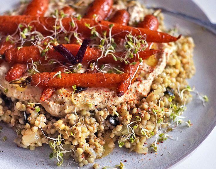 Pohanka s humusem a pečenou mrkví