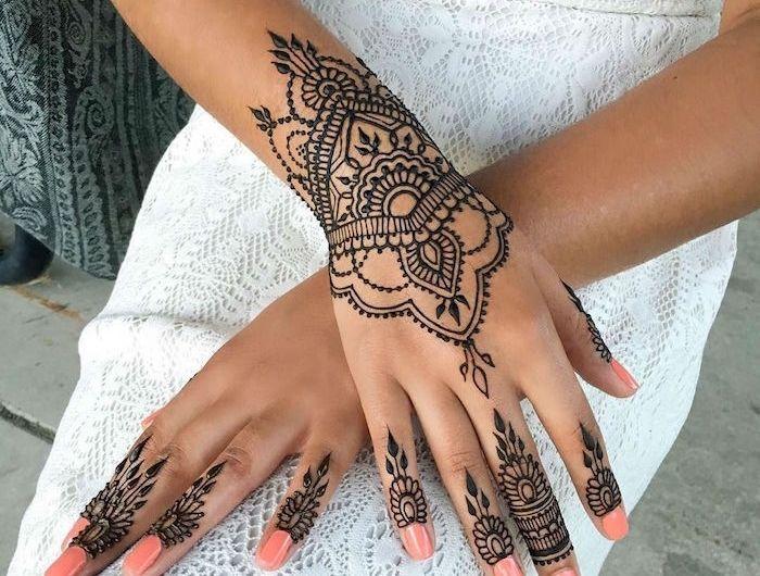 Tatouage Henne Main Ancestral Et Temporaire Malikaidh Ancestral Henne Main Malikaidh Tatouage Tatouage Henne Main Tatouage Au Henne Tatouage Henne